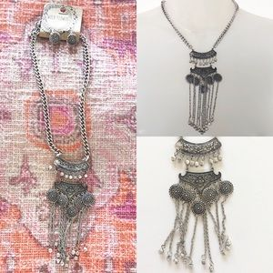 NWT Wild Flower Faux Silver Boho Chunky Necklace